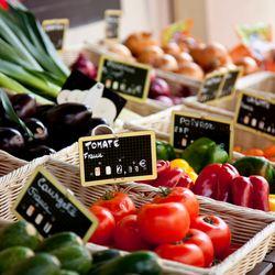 Place Des Lices Market Photo 32