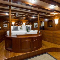 Thanda Island Yacht Cruise Photo 10