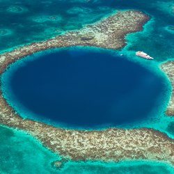 The Great Blue Hole Photo 3