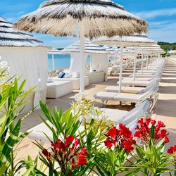White Beach Club Photo 5