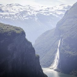 The Seven Sisters Waterfall Photo 4
