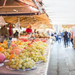 Place Des Lices Market Photo 4