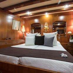 Thanda Island Yacht Cruise Photo 15