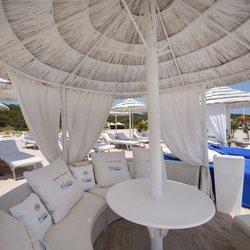 White Beach Club Photo 7