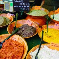 Place Des Lices Market Photo 18