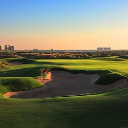 Yas Links Abu Dhabi Photo 6