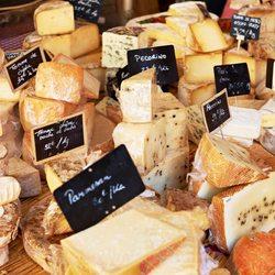 Place Des Lices Market Photo 39