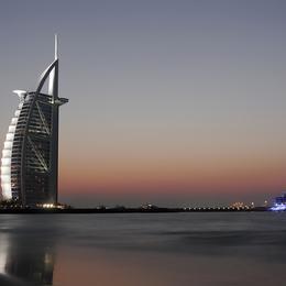 Dubai Luxury Yacht Charter