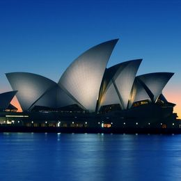 Sydney Luxury Yacht Charter