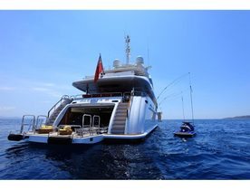 'MAGENTA M' Charter Yacht Offers Discounted Rates