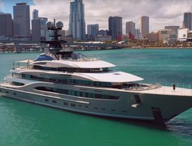 Video: Superyacht KISMET arrives at the Miami Yacht Show 2019