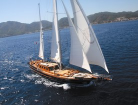 Sailing Yacht SHANTI Offers Discount on Summer Charters