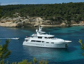 M/Y CHRISTINA G Reduced Charter Rate for August