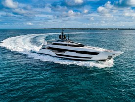 Custom Line Win Best New Production Yacht Design With Vista Blue
