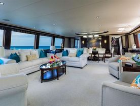 Motor Yacht 'Something Southern' Offers Special Introductory Charter Rate