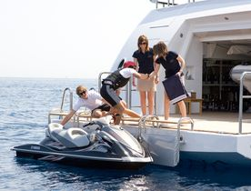 Superyacht MEAMINA Offers 25% Reduction For Last-Minute Charter