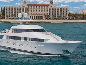 Motor Yacht 'CHASING DAYLIGHT' Available for Christmas Charter Vacation in the Bahamas