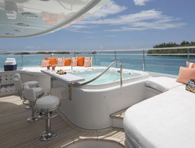 Bahamas charter deal: save 10% on superyacht 'Time For Us' this Christmas