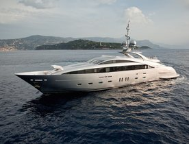 Motor Yacht 'Silver Wind' Becomes Available for Charter