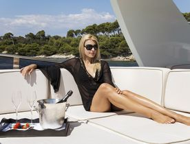 Special offer on Monaco Grand Prix charter with luxury yacht CAPPUCCINO
