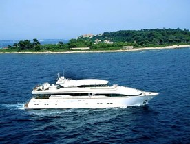 M/Y WHEELS – Reduced Charter Rates