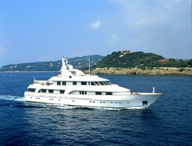 Motor Yacht 'Cracker Bay' New to Charter