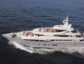Superyacht '2 LADIES' Has Christmas Availability