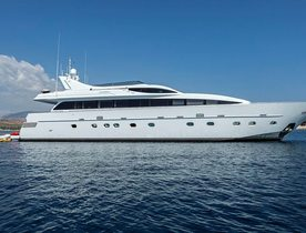 Motor Yacht TROPICANA Offers Discounted Greece Charters