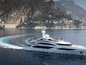 Superyacht 'Illusion V' Wins Asia Boating Award
