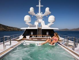 Luxury Yacht AXIOMA Drops Christmas Charter Rate in the Caribbean