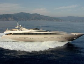 Motor Yacht AQUA Offers Charter Discount in Greece