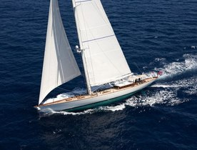Charter Yacht ANNAGINE Offers 25% Rate Reduction
