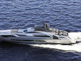 Flagship aluminium Pershing 140 launched