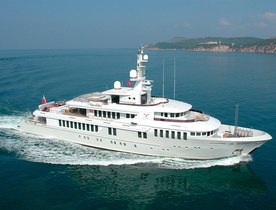 Superyacht KINTA Reduces Charter Rate