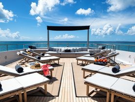 Special last-minute deal on charters around Greece aboard luxury yacht MARIU