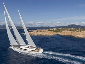 Charter Yacht ROSEHEARTY Wins 2015 Perini Navi Cup
