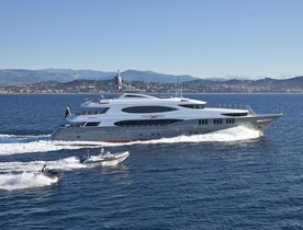 Charter Yacht 'Zoom Zoom Zoom' Available In Maine This Summer