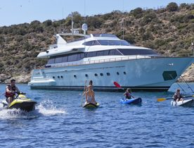 Special offer with Falcon Yachts motoryacht MARTINA in Greece