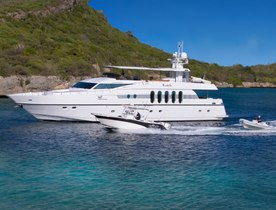 Motor Yacht MARBELLA Lowers Charter Rate for Cruising in the Grenadines