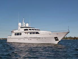 Christmas Charter Offer on Motor Yacht MIMU