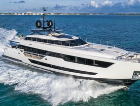Custom Line motor yacht 'Vista Blue' joins global charter market