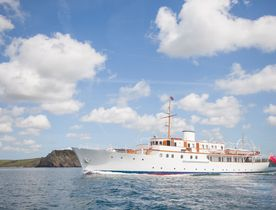 Award-Winning Superyacht MALAHNE Open For Exciting Event Charters