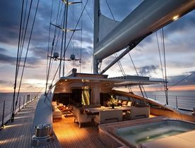 Discover Papua New Guinea On Board Sailing Yacht VERTIGO