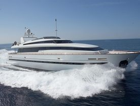 Sanlorenzo M/Y SOLONA Drops Weekly Base Rate to €35,000 in June