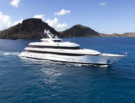 Luxury Yacht 'Lady Britt' Open for Bahamas Charters