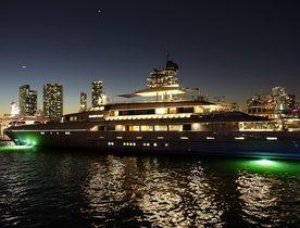 YachtCharterFleet Visits Superyacht Miami Show 2016