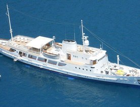 Classic Yacht DIONEA Offers Charter Deal in Sardinia