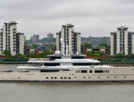 Charter Yacht 'Grace E' Wows Crowds In London