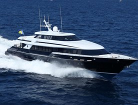 Superyacht OCTOPUSSY Becomes Available for Charter
