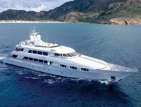 Motor Yacht ATTITUDE Summer Special in the Bahamas
